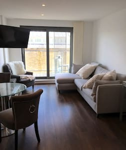 Stunning 1 bed excellent amenities - London