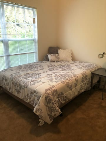 Private room near Pinehurst Resort!