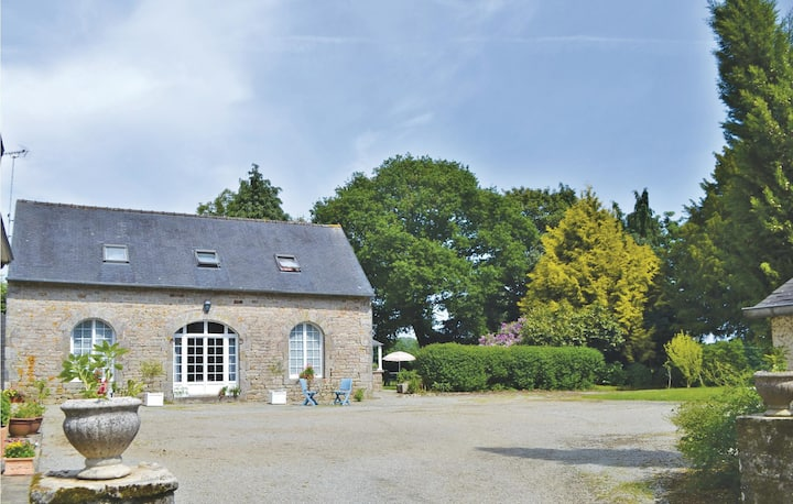 Awesome home in Gouesnach with WiFi and 2 Bedrooms