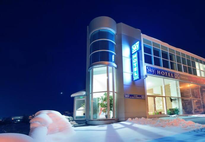 Хотел Скай