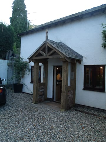 300 year old cottage - Frodsham - Huis