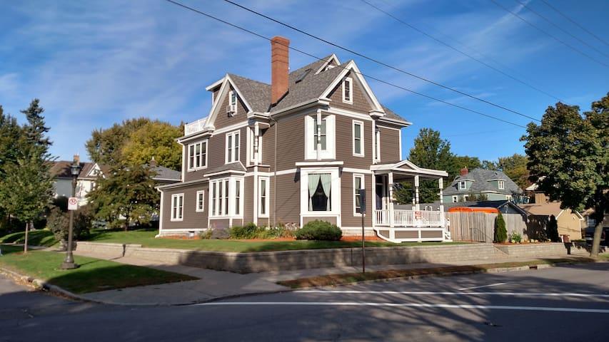 The Dale House - Spacious, Stylish & Pet friendly! - Saint Paul - House