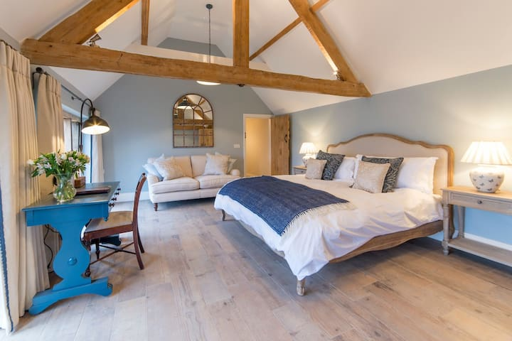 The Cowsheds - Dauntsey - Maison