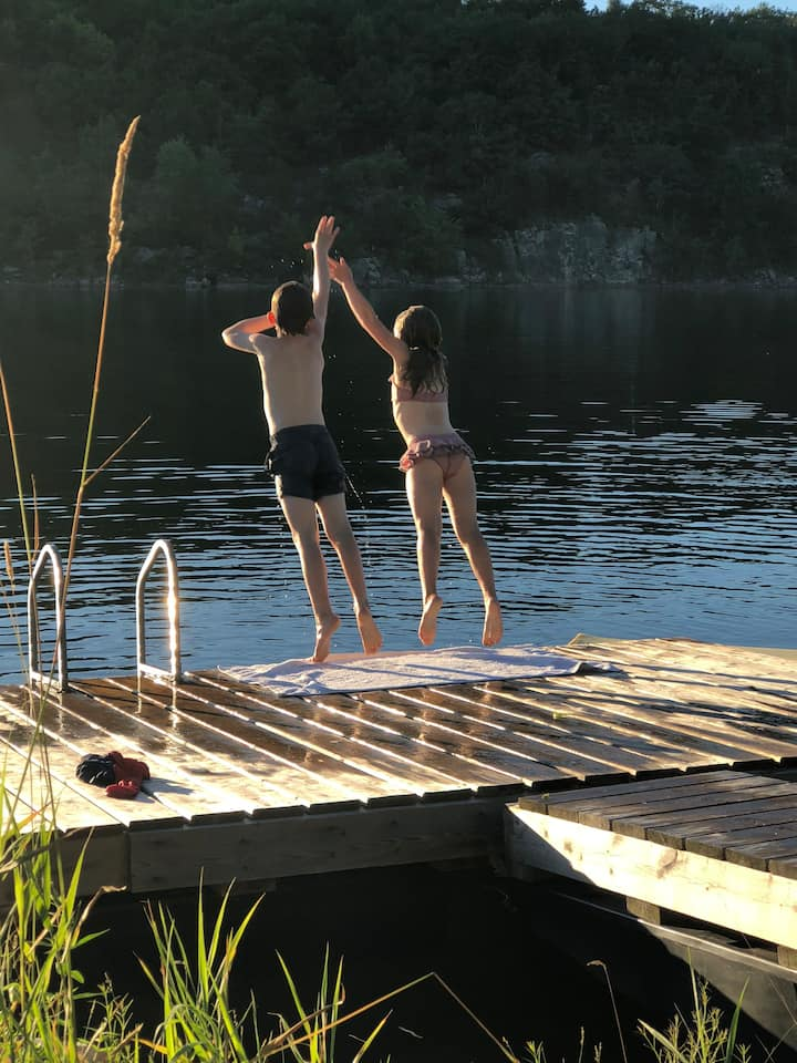 Family Getaway on Private Lake