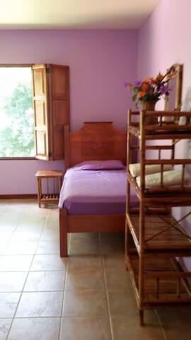 Jade Luna in Tropical Paradise - Puerto Jiménez - Huis