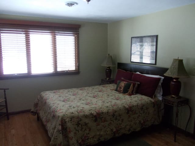 Peaceful, cozy place very near lake - Skaneateles - Casa