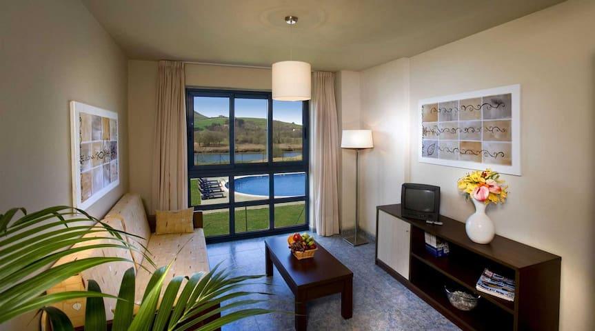 Apartamento con piscina en Boo - San Pedro del Romeral - Wohnung