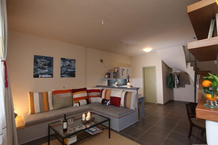 Groundfloor lounge area