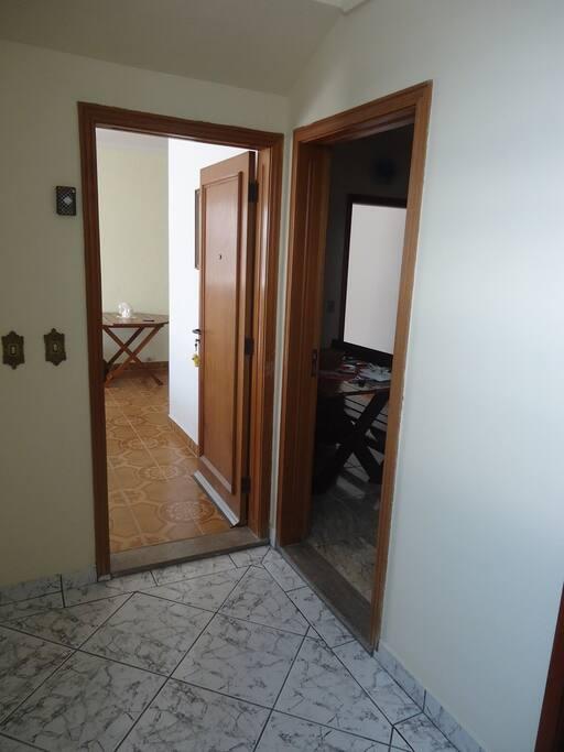 Entrada para sala ou cozinha, hall do elevador da cobertura