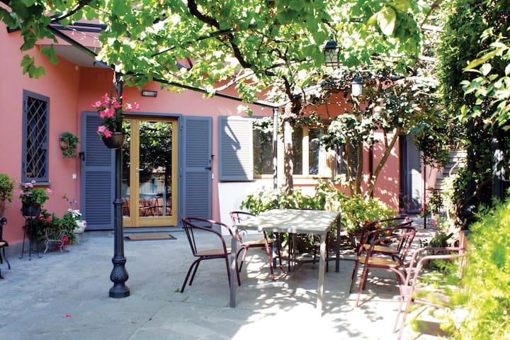 Suite in villa con giardino nel centro storico - Marino