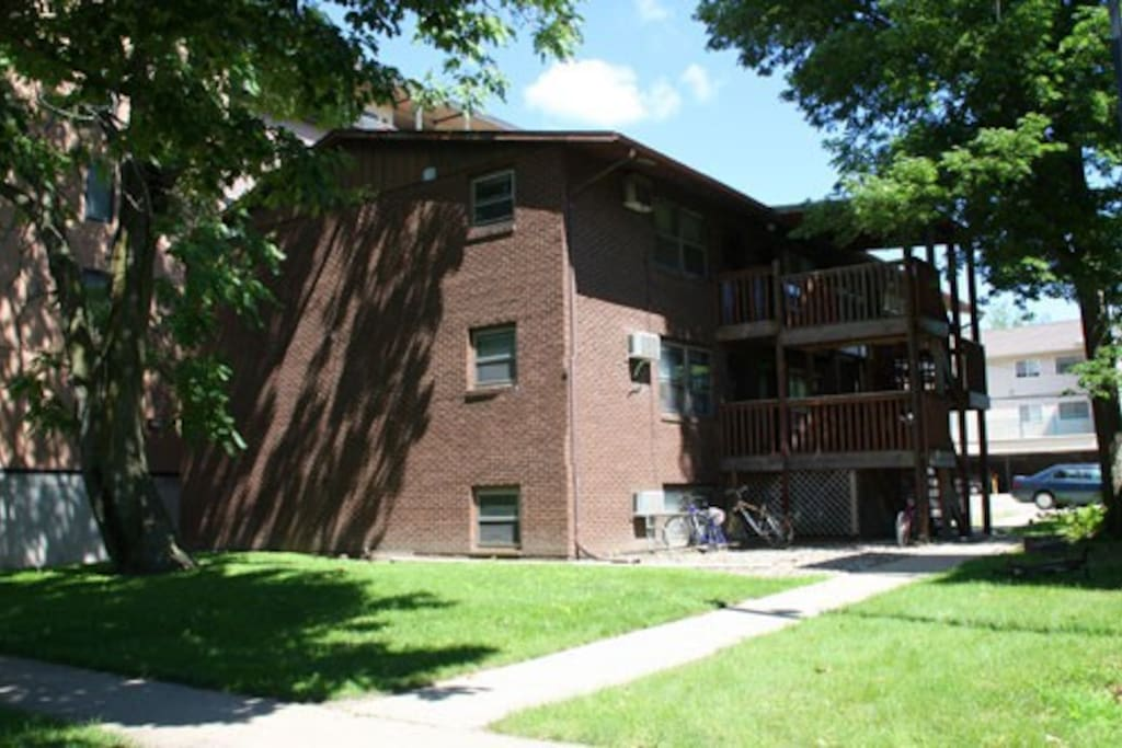 1 Room In A 2 Bed Apt Girls Only Apartments For Rent In Urbana Illinois United States
