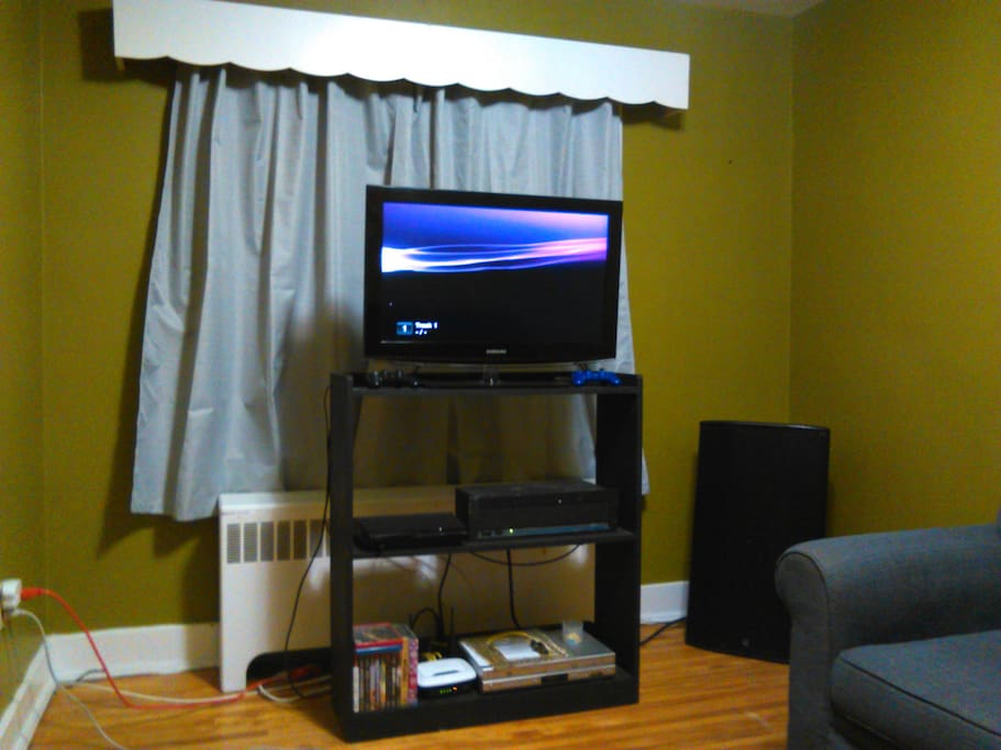 Front of Living room.  50 Mbps wireless internet, PS3, DVD's & Netflix.