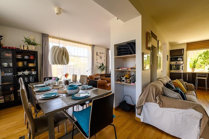 Detached House: Garden&Terrace&BBQ,Parking,SmartTV