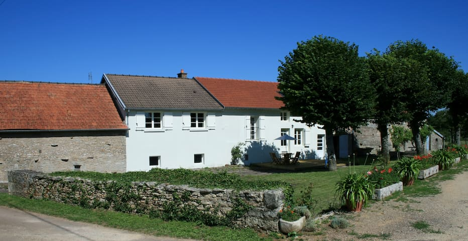 Village and Views-  Large heated House, Gardens