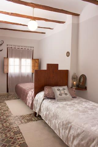 Casa Taure de estilo Árabe en Chelva (Valencia) - Chelva - House