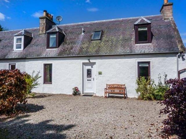 Deskford Cottage, Nairn