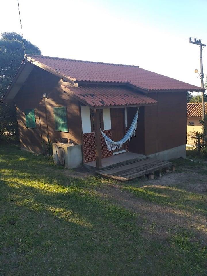 Casa simples e aconchegante, na frente do Tantra!