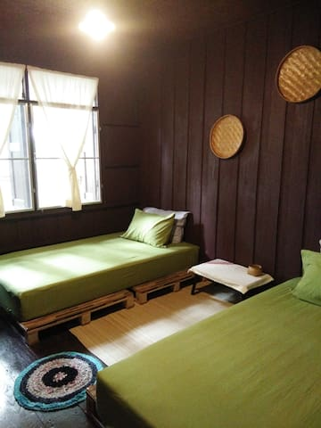 Twin House at Tapae (private fan room) - Chiang Mai - Appartement