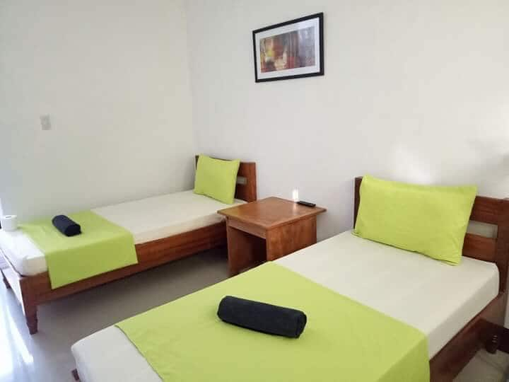 Coron Private Room w/ bfast + Wifi (twin-sharing)