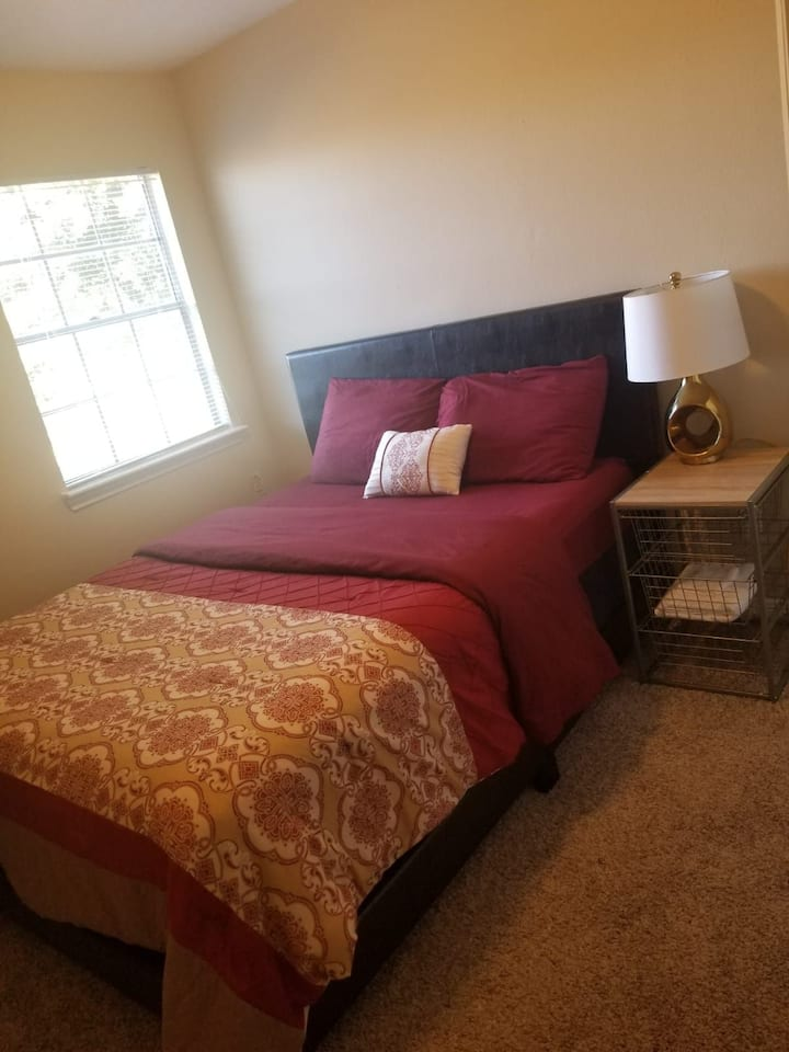 **Private Cozy & Serene Room away from Home!**
