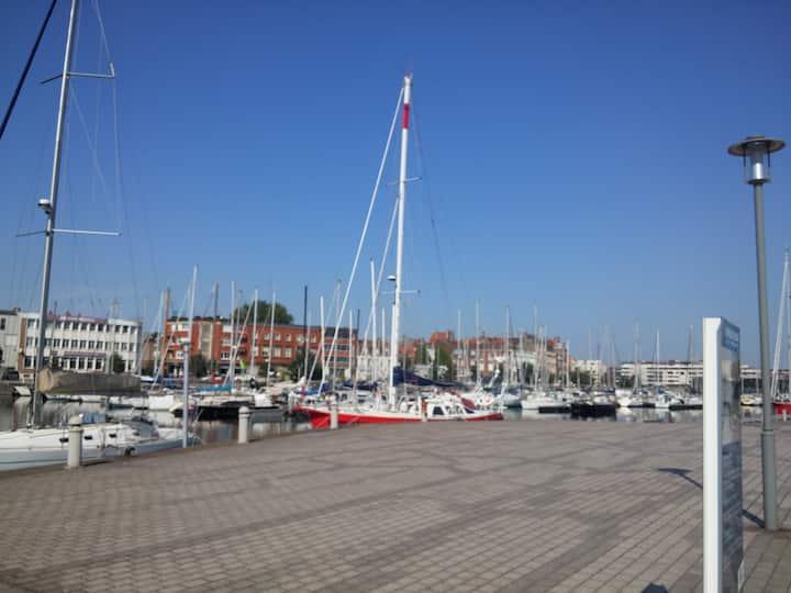 Appart 3/4 pers proche port plaisance + parking