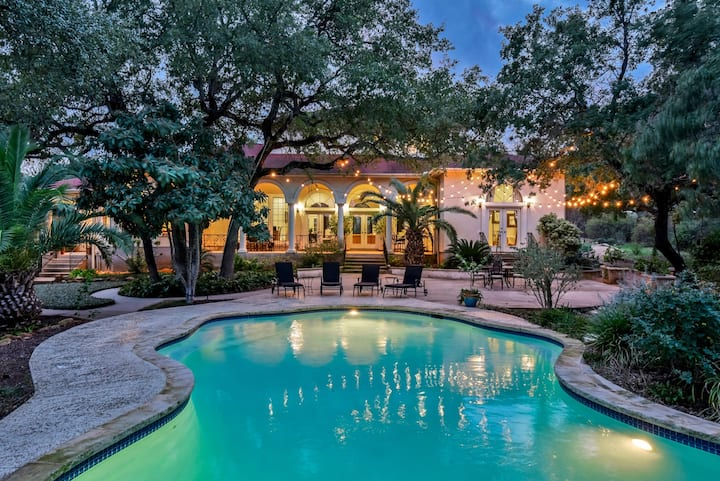 Mediterranean Villa! 4000+ sq ft w/Amazing pool