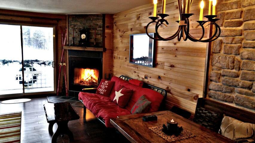 Chaleureux condo de ski - Stoneham-et-Tewkesbury - ロフト