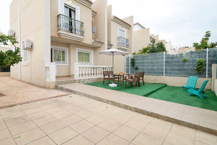 HOUSE WITH BARBECUE AND BEACH WIFI - Lomas de Polo-Pinomar - House