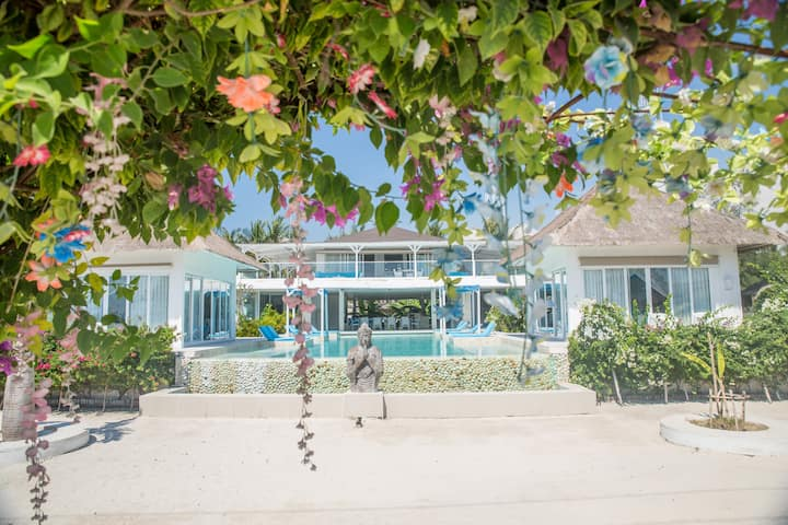 Sunset Suite in a beach front villa -Gili T.