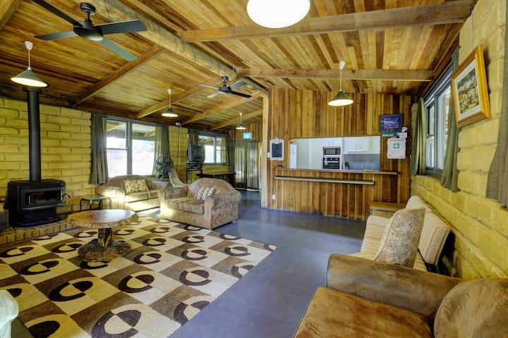 Barrington River Lodge, on the Barrington River