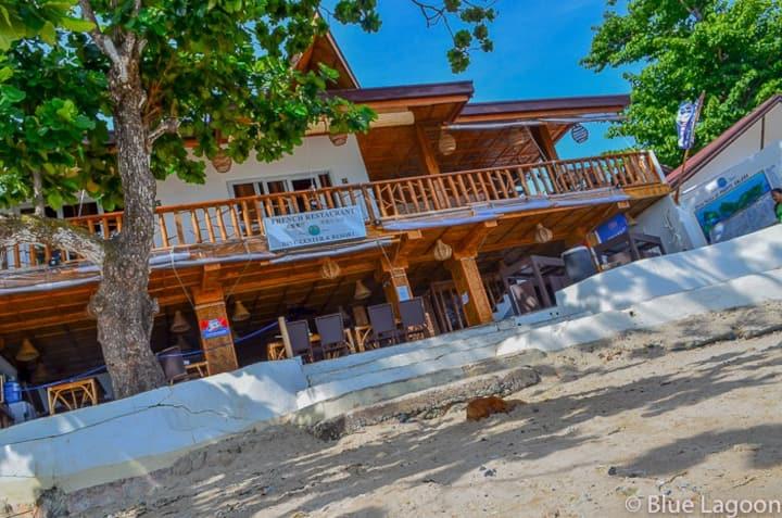 Bayan ng Puerto Galera :  avec vue sur le jardin