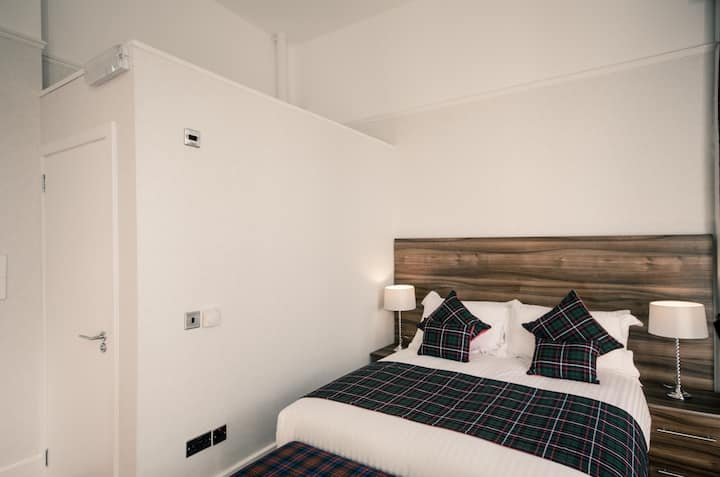 Double Room in Glasgow Centre Hotel