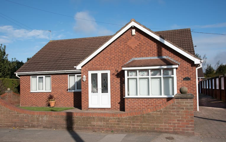 Bungalow , Pollington