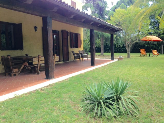 Countryhouse 10min from the beach