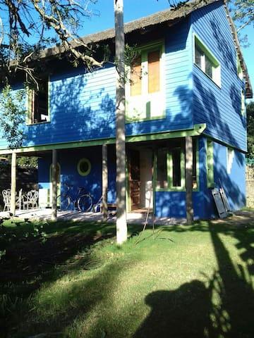 Excelente casa con vista al mar - santa lucia del este - Huis