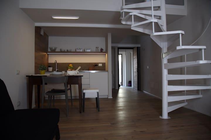 Loft con soppalco 32B&B - Pavia - Bed & Breakfast