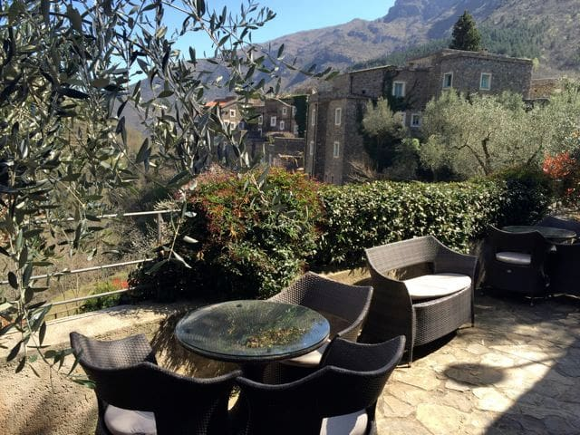 Panorama studio with huge terrace - Colletta di Castelbianco - Leilighet
