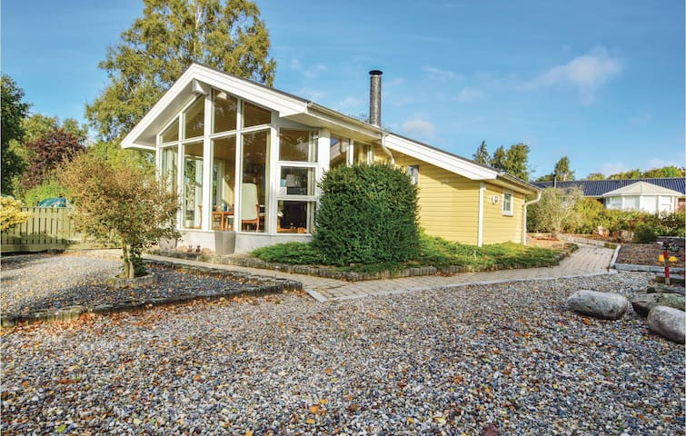 Holiday cottage with 3 bedrooms on 72m² in Hejls