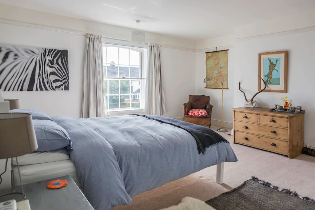 Spacious bedroom with kingsize bed