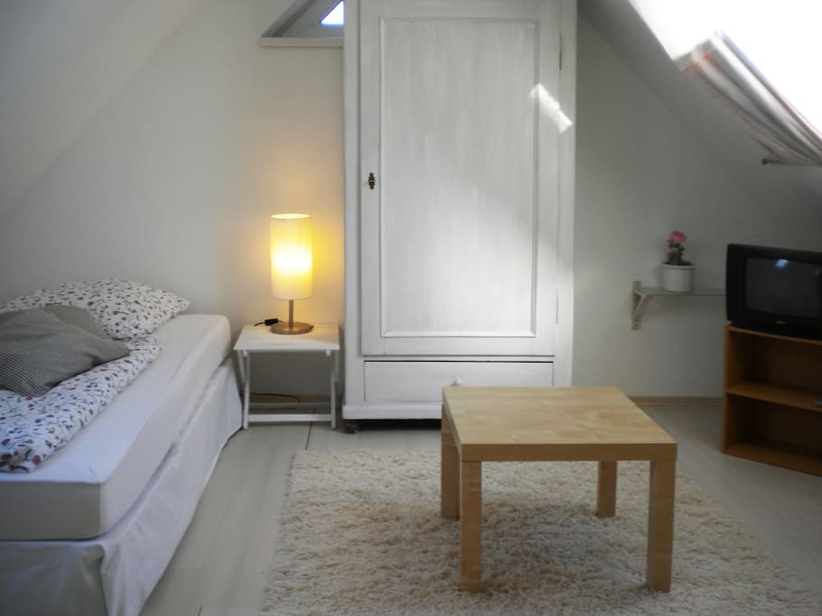 Dachzimmer mit Doppelbett (loft room with double bed)