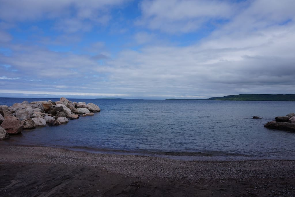 Marks Point- 176 ft of private beach, a 10 minute drive from the cottage!