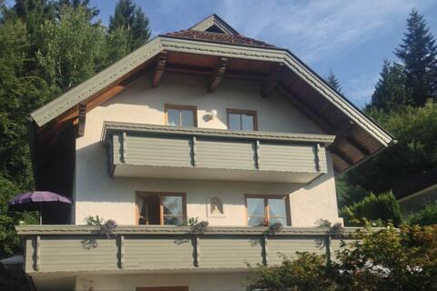 Ferienhaus Südtirol mit Seeblick