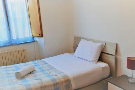 1Cozy&Comfy room behind piazza del Campo