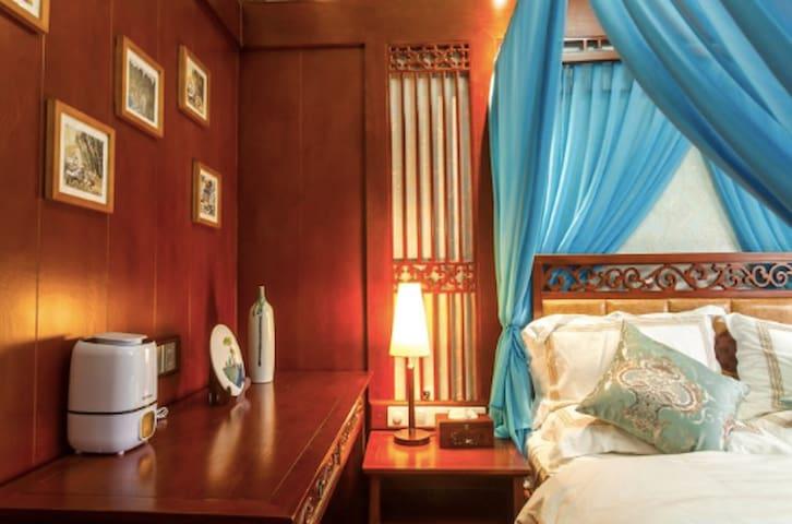 270 古城观景大床房