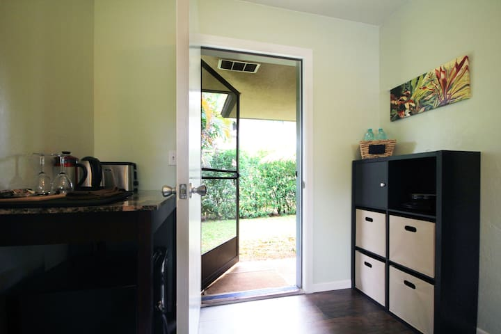 Private Entrance and Bathroom - Great for Hikers