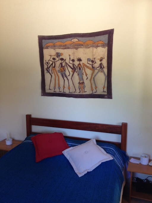ORIGINAL BATIK PAINTINGS FROM AFRICA IN THE BEDROOM