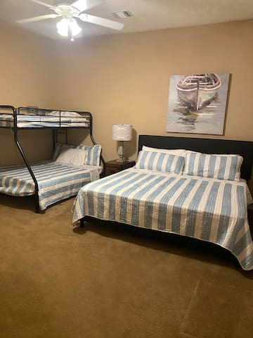 King Bed with Bunk Beds (Full/Twin)