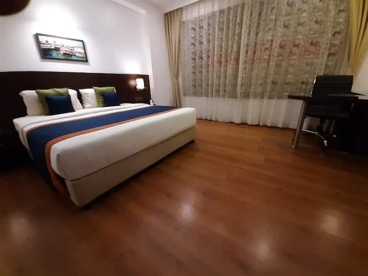 Mango Cozy Hotel Room- Manipal