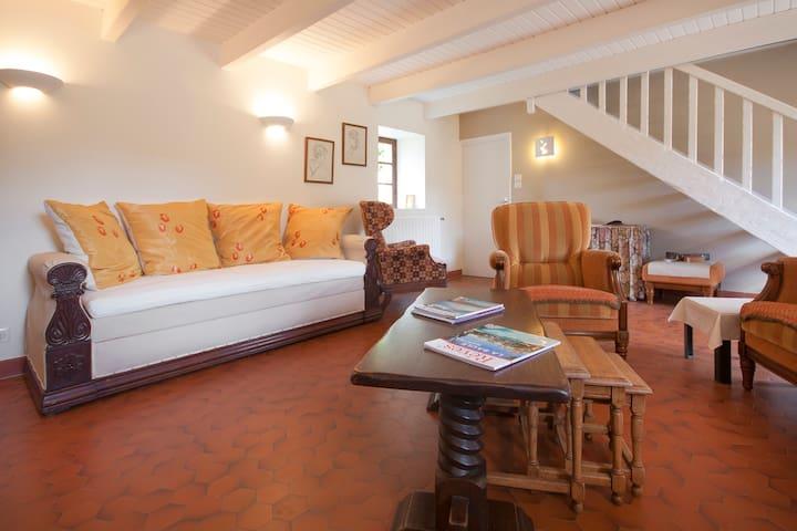 Ker Illav, Longère Bretonne - Plouescat - House