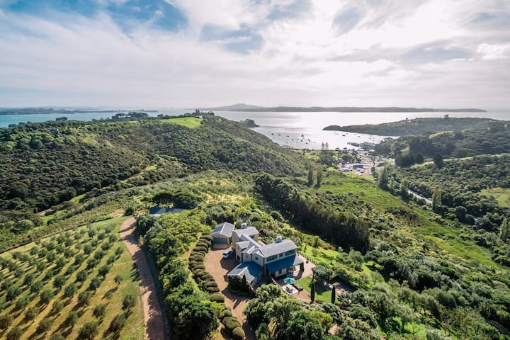 Cable Bay Luxury Villa